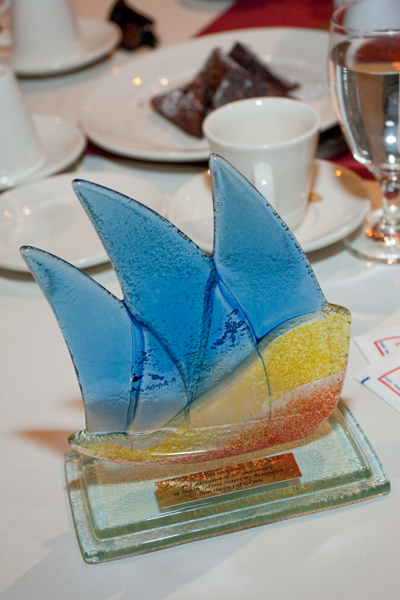 Glass sailing ship from Gdynia presented to SGSCA
